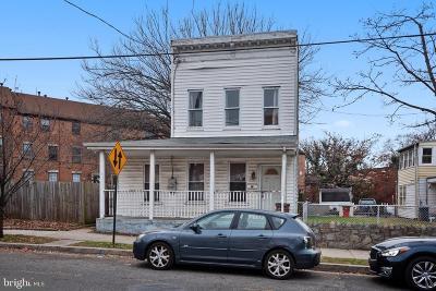 Washington Single Family Home For Sale: 1447 22nd Street SE