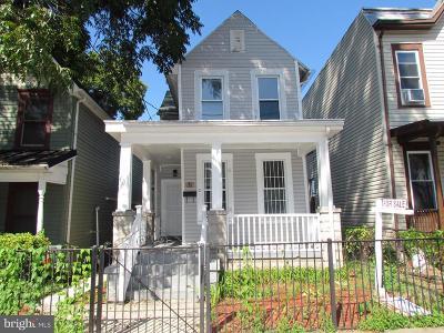 Washington Single Family Home For Sale: 1632 U Street SE