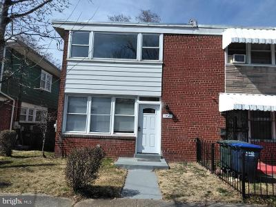 Washington DC Single Family Home For Sale: $379,900