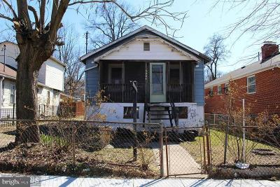 Washington Single Family Home For Sale: 5007 Lee Street NE