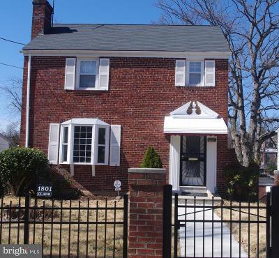 Washington Single Family Home For Sale: 1801 41st Place SE