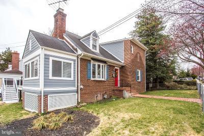 Woodridge Single Family Home For Sale: 3109 Monroe Street NE