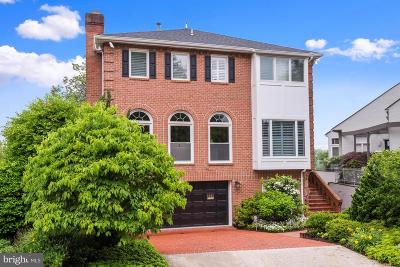 Washington Single Family Home For Sale: 4662 Charleston Terrace NW