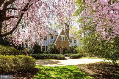 Washington Single Family Home For Sale: 4928 Indian Lane NW