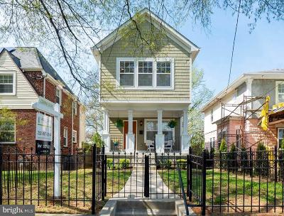 Washington Single Family Home For Sale: 3520 South Dakota Avenue NE