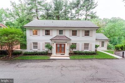 Washington Single Family Home For Sale: 3115 Normanstone Terrace NW