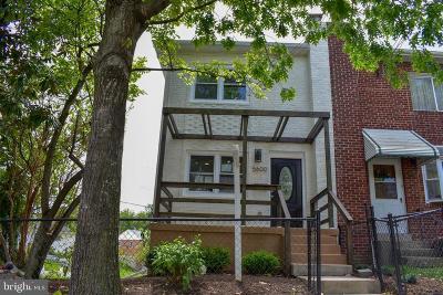 Single Family Home For Sale: 5600 Eastern Avenue NE