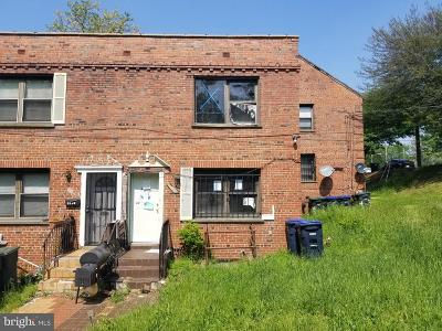 Washington DC Single Family Home For Sale: $225,000
