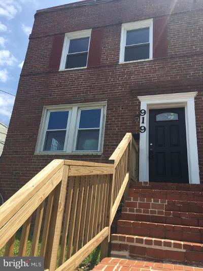 Washington Multi Family Home For Sale: 919 NE 47th Street NE