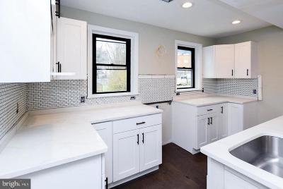 Washington DC Single Family Home For Sale: $334,900