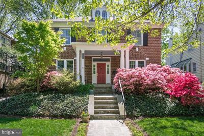 Single Family Home For Sale: 3904 Jocelyn Street NW