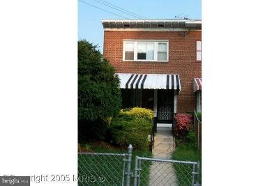 Washington DC Single Family Home For Sale: $219,900