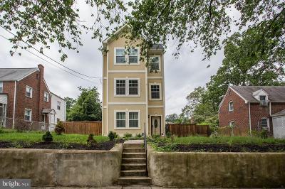 Washington Single Family Home For Sale: 1127 46th Street SE