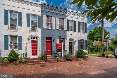 Washington Condo For Sale: 913 Hughes Mews NW