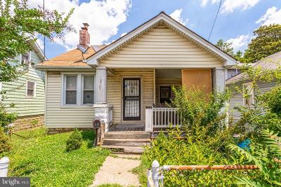 Single Family Home Under Contract: 2707 S Dakota Avenue NE