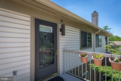 Washington Condo For Sale: 74 Hawthorne Court NE