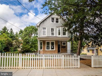 Washington Single Family Home For Sale: 3304 17th Street NE