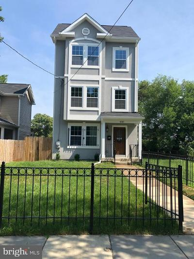 Single Family Home Active Under Contract: 4310 Hayes Street NE