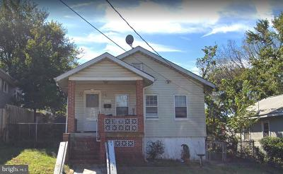 Single Family Home Under Contract: 4221 Clay Street NE