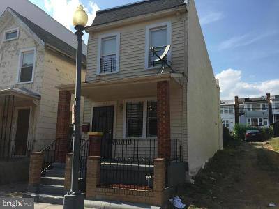 Columbia Heights Single Family Home For Sale: 621 Newton Place NW
