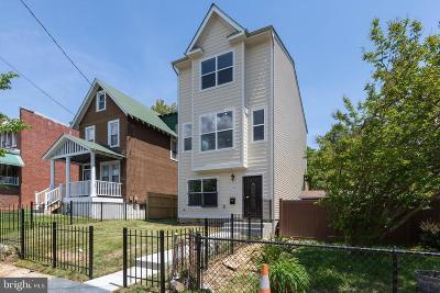 Washington Single Family Home For Sale: 1630 22nd Street SE