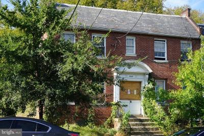 Washington Multi Family Home For Sale: 3013 Nelson Place SE