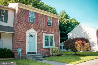 Dover Townhouse For Sale: 27 Lamplighter Lane