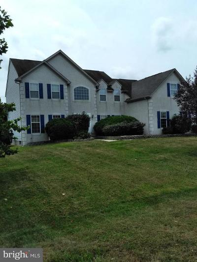 Middletown Single Family Home For Sale: 2 Chancellorsville Circle