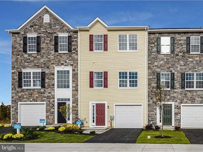 Middletown Townhouse For Sale: 925 Lissicasey Loop