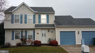 Single Family Home For Sale: 8 Remington Way