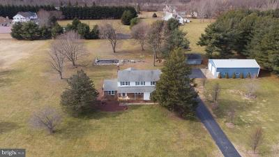 Middletown Single Family Home For Sale: 2 Chase Lane