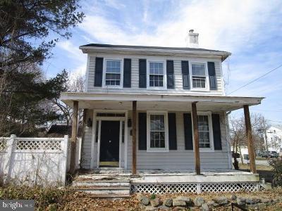 Delaware City Single Family Home For Sale: 200 Hamilton Street