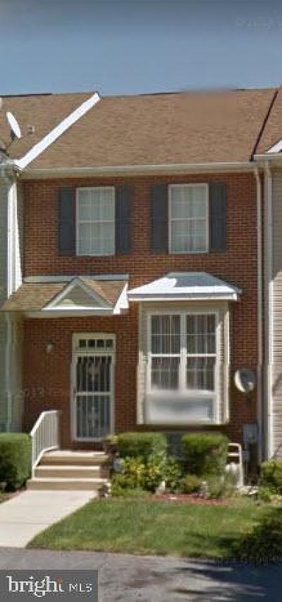 Newark Townhouse Under Contract: 107 Gladstone Way