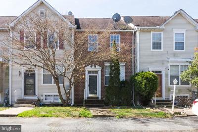 Newark Townhouse Active Under Contract: 133 Balmoral Way