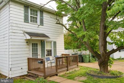 Newark Multi Family Home For Sale: 44-46 Thompson Circle