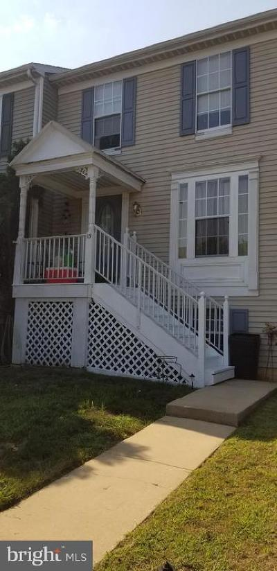 Newark Townhouse For Sale: 13 Cymbal Court
