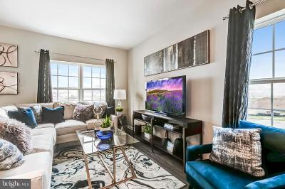 Middletown Townhouse For Sale: 933 Lissicasey Loop