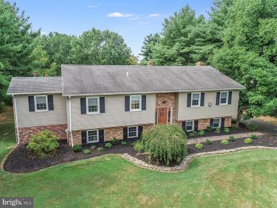 Middletown Single Family Home Under Contract: 236 Acorn Drive