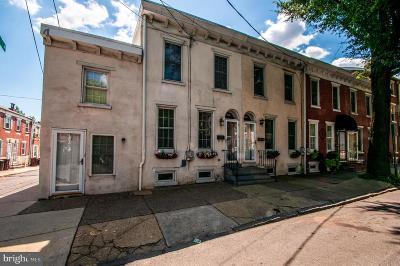 Townhouse For Sale: 1310 N Walnut Street