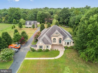 Middletown Single Family Home Under Contract: 864 Old School House Road