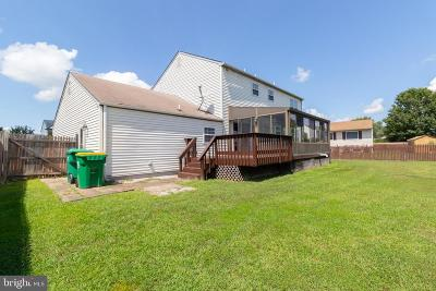 Newark Single Family Home For Sale: 15 Cognac Drive