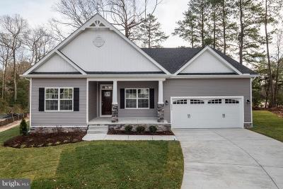 Single Family Home Active Under Contract: 23318 Bluewater Way #13