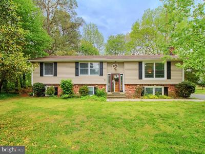 Milford Single Family Home For Sale: 80 Valley Forge Drive