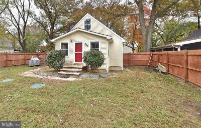 Pasadena Single Family Home For Sale: 454 Riverside Drive