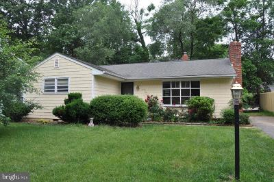 Annapolis Single Family Home For Sale: 1302 Colony Drive