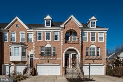 Edgewater Townhouse For Sale: 2304 Noblewood Road