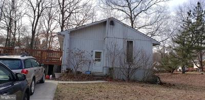 Pasadena Single Family Home Active Under Contract: 24 Tennessee Avenue