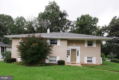 Glen Burnie Single Family Home For Sale: 7958 Castle Hedge Dell