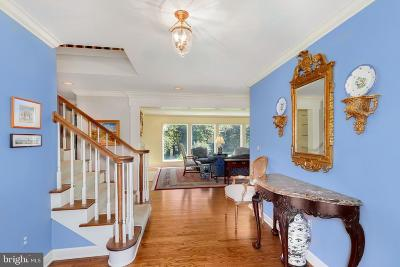 Annapolis Single Family Home For Sale: 832 Coachway