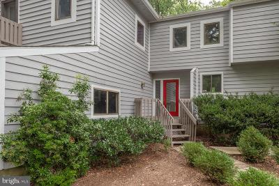 Annapolis Single Family Home For Sale: 1080 Carriage Hill Court